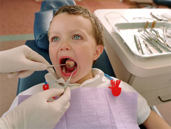 معاینات-کلینیکی-دندان-کودک-توسط-دندانپزشک